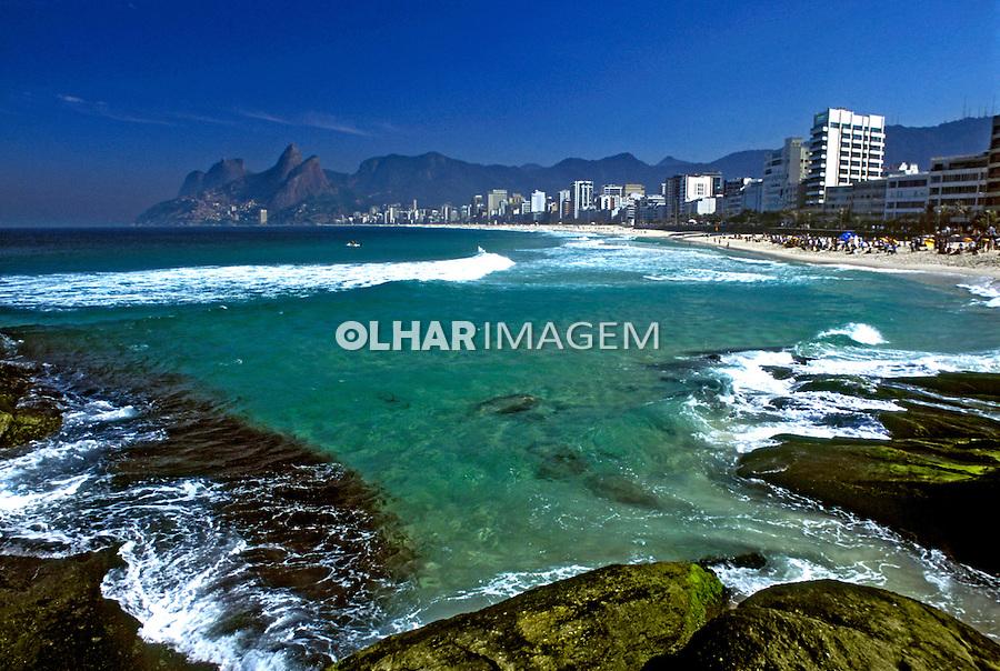 Praia do Arpoador. Rio de Janeiro. 2003. Foto de Ricardo Azoury.