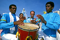Festa de Iemanjã na Praia Grande, Santos. 1985. Foto de Juca Martins.