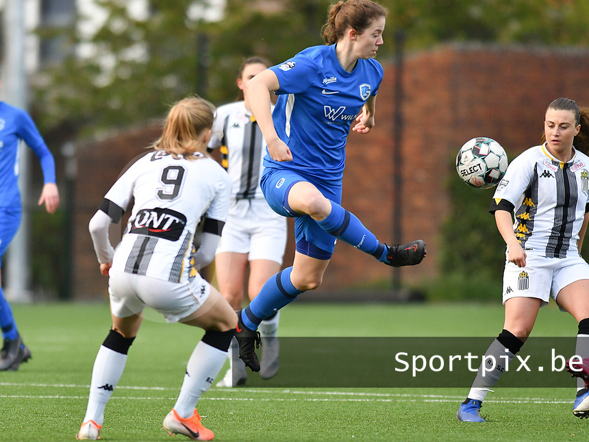Hanne Merkelbach (25) of KRC Genk in action during a female soccer game between Sporting Charleroi and KRC Genk on the 4 th matchday in play off 2 of the 2020 - 2021 season of Belgian Scooore Womens Super League , friday 30 th of April 2021  in Marcinelle , Belgium . PHOTO SPORTPIX.BE | SPP | Jill Delsaux