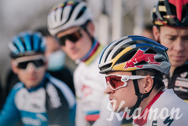 Tom Pidcock (GBR/Trinity) focused  the start, with CX world champion Mathieu Van der Poel (NED/Alpecin-Fenix) checking him out...<br /> <br /> Men's Race<br /> UCI Cyclocross World Cup Namur 2020 (BEL)<br /> <br /> ©kramon