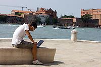 Tourist along the Zattere, Venice.<br /> UPDATE IMAGES PRESS/Riccardo De Luca
