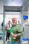 Oesterreich, Salzburger Land, Stadt Salzburg: Flughafen W. A. Mozart - Abfertigungshalle, bei der Sicherheitskontrolle | Austria, Salzburger Land, Salzburg City: Airport W. A. Mozart, terminal building, security check area