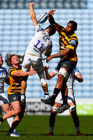 25th April 2021; Ricoh Arena, Coventry, West Midlands, England; English Premiership Rugby, Wasps versus Bath Rugby; Will Muir of Bath Rugby and Levi Douglas of Wasps compete for a restart