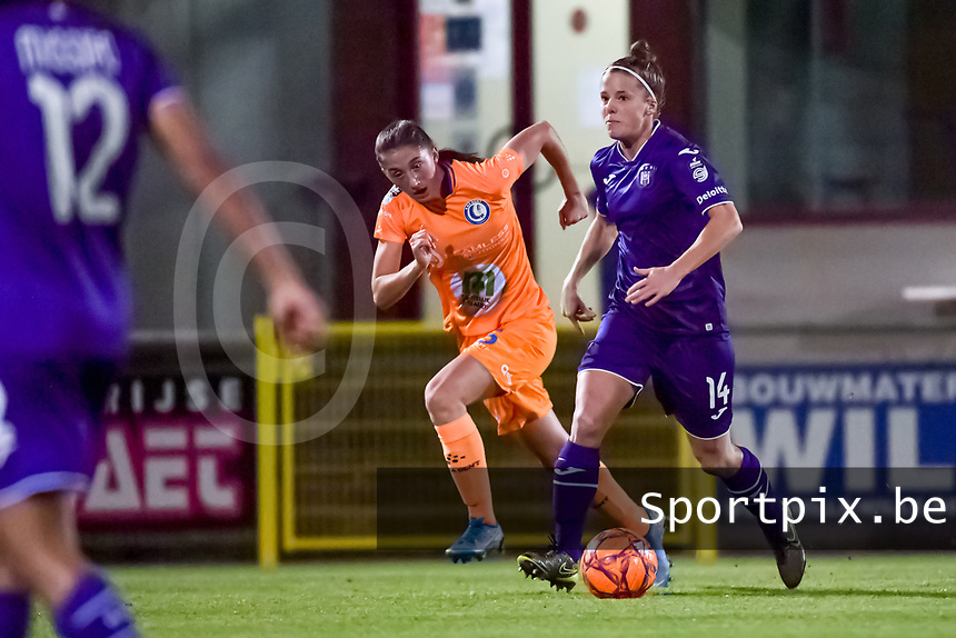 Anderlecht defender Laura Deloose (14) and Gent's defender Fran Meersman (5) pictured during a female soccer game between RSC Anderlecht Dames and AA Gent Ladies on the seventh matchday of the 2020 - 2021 season of Belgian Womens Super League , friday 13 th of November 2020  in Overijse , Belgium . PHOTO SPORTPIX.BE | SPP | STIJN AUDOOREN