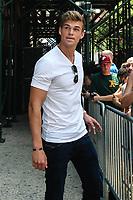NEW YORK, EUA, 10.07.2017 - MITCHEL-SLAGGERT - Mitchell Slaggert é visto no bairro do Soho na cidade de New York nesta segunda-feira, 10. (Foto: Vanessa Carvalho/Brazil Photo Press)