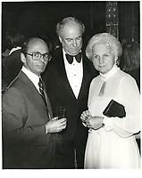 Leo Kolber (G) et Jeanne Sauve (D) <br /> au Festival des Films du Monde 1981<br /> <br /> PHOTO : Agence Quebec Presse