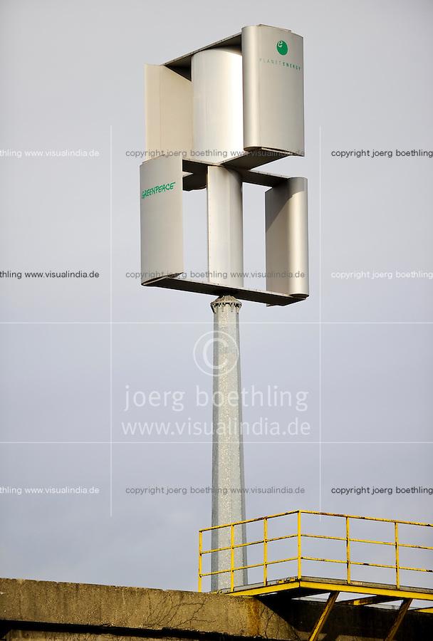 Deutschland Hamburg, Kleinwindkraftanlage e-planet ernergy auf Greenpeace Gebaeude im Hamburger Hafen / Germany GER small wind turbine