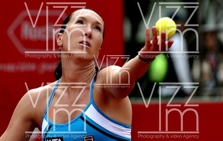 BOGOTA - COLOMBIA - FEBRERO 21-02-2013: Jelena Jankovic de Serbia, en acción durante partido por la Copa de Tenis WTA Bogotá, febrero 21 de 2013. (Foto: VizzorImage / Luis Ramírez / Staff). Jelena Jankovic from Serbia, in action, during a match for the WTA Bogota Tennis Cup, on February 21, 2013, in Bogota, Colombia. (Photo: VizzorImage / Luis Ramirez / Staff)...........