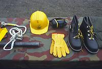 - Italian Army, Railroad Engineer Corps, safety equipments for construction site<br /> <br /> - Esercito Italiano, Genio Ferrovieri,  equipaggiamenti di sicurezza da cantiere