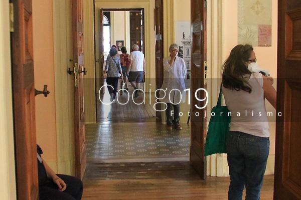 RJ. Rio de Janeiro. 01.04.2021 VACINAÇÃO Movimentação no posto de vacinação no Museu da República,  Catete, zona sul, nesta quinta-feira (01). ( Foto: Ellan Lustosa / Codigo19).