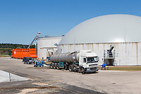 Digestate removal by lorry tanker - Anaerobic Digestion