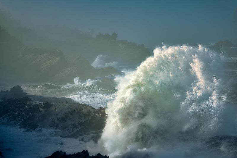 Storm waves at Shore Acres State Park, Oregon