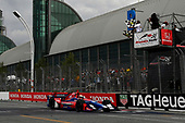 Verizon IndyCar Series<br /> Honda Indy Toronto<br /> Toronto, ON CAN<br /> Sunday 16 July 2017<br /> Alexander Rossi, Andretti Herta Autosport with Curb-Agajanian Honda crosses the finish line under the checkered flag <br /> World Copyright: Scott R LePage<br /> LAT Images<br /> ref: Digital Image lepage-170716-to-5120