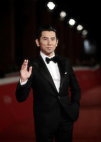 "L'attore giapponese Masahiro Motoki posa sul red carpet per la presentazione del film ""The Long Excuse"" al Festival Internazionale del Film di Roma, 18 ottobre 2016.<br /> Japanese actor Masahiro Motoki poses on the red carpet to present the movie ""The Long Excuse"" during the international Rome Film Festival at Rome's Auditorium,18 October 2016.<br /> UPDATE IMAGES PRESS/Isabella Bonotto"