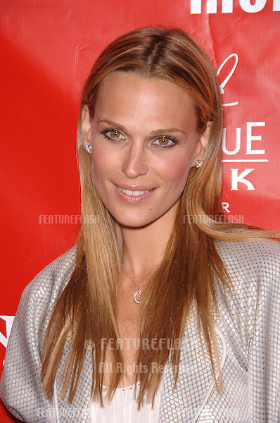 Actress MOLLY SIMS at the Los Angeles premiere of Friends with Money..March 27, 2006  Los Angeles, CA.© 2006 Paul Smith / Featureflash