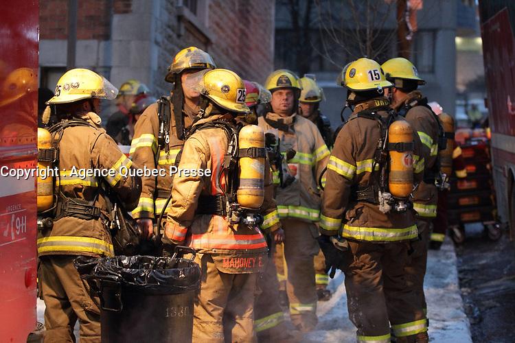 Incendie au Coin universit et Des Pins, le 5 Janvier 2014<br /> <br /> PHOTO :  Agence Quebec Presse