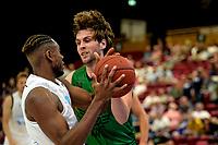 GRONINGEN - Basketbal, Donar - Groen Uilen, voorbereiding seizoen 2021-2022, 21-08-2021,  Donar speler Amanze Egekeze met Marcel van der  Roest