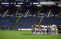 Ulster players gather into a huddle at the end of the match after a dramatic penalty in the last seconds won the match to put them into the Pro14 Final.<br /> Edinburgh Rugby v Ulster, Guinness Pro14 Semi-Final, Murrayfield Stadium, Edinburgh Scotland, Saturday 5th September 2020.<br /> PLEASE CREDIT: FOTOSPORT / DAVID GIBSON / DICKSONDIGITAL