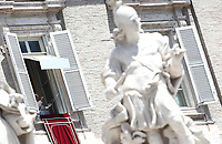 Papa Francesco recita l'Angelus domenicale affacciato su piazza San Pietro dalla finestra del suo studio. Citta' del Vaticano, 29 giugno 2018.<br /> Pope Francis recites the Sunday Angelus noon prayer from the window of his studio overlooking St. Peter's Square, at the Vatican, on Vatican, on June 29, 2018.<br /> UPDATE IMAGES PRESS/Isabella Bonotto<br /> <br /> STRICTLY ONLY FOR EDITORIAL USE