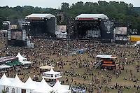 Wacken Open Air 2011 - WOA im beschaulichen Ort Wacken in Norddeutschland - 85 000 Fans der lauteren Töne pilgern zu ihrem Mekka nach Wacken - alle Größen des Heavy Metal Universums geben sich die Ehre - im Bild: das Publikum vor den Bühnen - Impression Übersicht des Geländes von oben / Luftaufnahme aus Jägermeister Hochsitz - Bühnen und Campingplatz / camp ground / Zeltplatz. Foto: aif / Norman Rembarz..Jegliche kommerzielle wie redaktionelle Nutzung ist honorar- und mehrwertsteuerpflichtig! Persönlichkeitsrechte sind zu wahren. Es wird keine Haftung übernommen bei Verletzung von Rechten Dritter. Autoren-Nennung gem. §13 UrhGes. wird verlangt. Weitergabe an Dritte nur nach  vorheriger Absprache. Online-Nutzung ist separat kostenpflichtig..