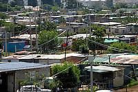 4415 / Slum: AFRIKA, SUEDAFRIKA, 14.01.2007: Vorort von Johannesburg, Huetten, Haeuser, Wohnungen