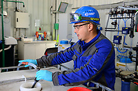 GERMANY, Hamburg Water sewage plant, urban mining pilot project of Remondis and Hamburg Water to recycle phosphorus acid from ash of burned sewage sludge, phosphoric acid is an important fertilizer in the agriculture and the natural resources are limited, processing unit / DEUTSCHLAND Hamburg, Hamburg Wasser Klaerwerk Koehlbrandhoeft, URBAN MINING, Kreislaufwirtschaft, Remondis und HW Pilot Anlage zur Gewinnung von Phosphorsaeure aus der Asche von verbrannten Klaerschlaemmen, Phosphorsaeure kann als Duenger in der Landwirtschaft wieder eingesetzt werden