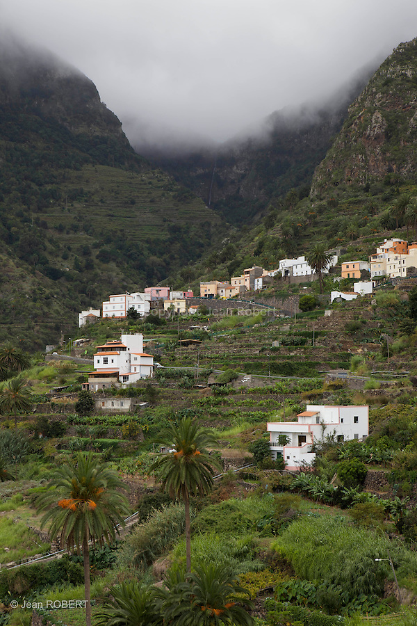 terrasses et villages de la vallée d'Hermigua.Hermigua terraces and villages.