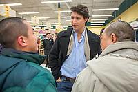 JustinTrudeau magasine au Kim Phat de Brossard, le 20 mars 2013.<br /> <br /> PHOTO :  Agence Quebec Presse