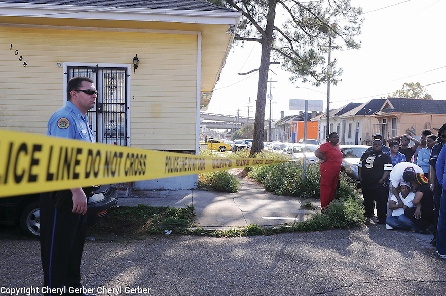 A woman collapses at murder scene in 7th Ward, 2014