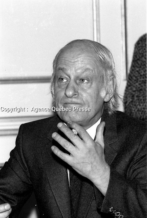 Rene Levesque  a la tribune du Cercle canadien de Montreal, le 3 avril 1978, a l'hotel Windsor<br /> <br /> PHOTO : JJ Raudsepp  - Agence Quebec presse