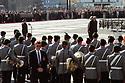 Helmut Kohl und Boris N. Jelzin beim Empfang zur Verabschiedung der russischen Streitkräfte aus Deutschland auf dem Berliner Gendarmenmarkt. Berlin, 31.08.1994