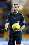 St Johnstone v Dundee....27.11.15  SPFL  McDiarmid Park, Perth<br /> Referee Alan Muir<br /> Picture by Graeme Hart.<br /> Copyright Perthshire Picture Agency<br /> Tel: 01738 623350  Mobile: 07990 594431