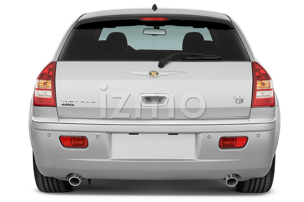 Straight rear view of a 2009 Chrysler 300 CRD