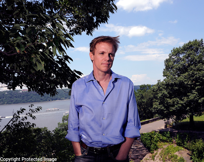 USA. New York. 24th June 2008..Andrew Bridge photographed at Fort Tryon Park, Manhattan..©Andrew Testa