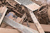 BRUMADINHO, MG, 25.01.2019:ROMPIMENTO DA BARRAGEM EM BRUMADINHO. Material da empresa foi arrastado pela correnteza durante desastre ambiental na represa da Cia Vale, em Corrego do Feijao-Brumadinho, região metropolina de Belo Horizonte, MG, na tarde desta sexta feira (25) (foto Giazi Cavalcante/Codigo19)