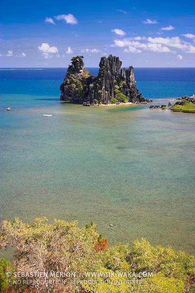 La Poule couveuse de Hienghène (rocher en forme de poule) site touristique de la province Nord, Nouvelle-Calédonie