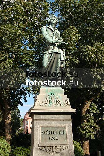 Statue of Friedrich von Schiller, german poet and dramatist (1759-1805), in Mainz, Rheinland Pfalz, Germany<br /> <br /> Monumento a Friedrich von Schiller, poeta y dramaturgo alemán (1759-1805), en Maguncia, Rheinland-Pfalz, Alemania<br /> <br /> Denkmal für Friedrich von Schiller, deutscher Dichter und Dramatiker (1759-1805), in Mainz, Rheinland-Pfalz, Deutschland<br /> <br /> orig.: 3008 x 2000 px<br /> 150 dpi: 50,94 x 33,87 cm<br /> 300 dpi: 25,47 x 16,93 cm
