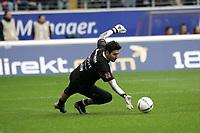 Torwart Oka Nikolov (Eintracht Frankfurt)