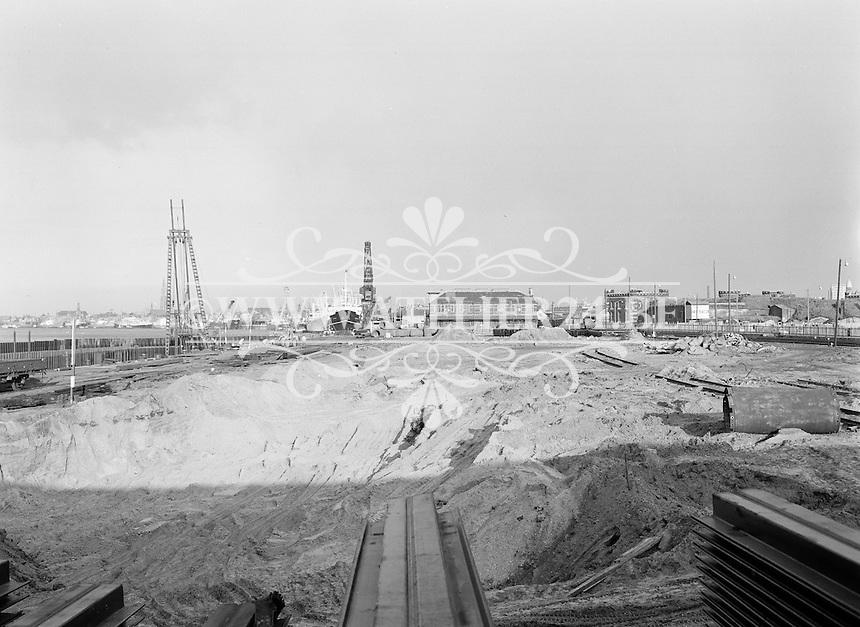 Februari 1965. Bouwwerken voor de E3 in Antwerpen.