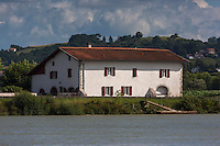 France, Aquitaine, Pyrénées-Atlantiques, Pays Basque,  Env de Guiche: Vallée de l'Adour  //  France, Pyrenees Atlantiques, Basque Country, Near Guiche, Adour Valley