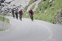 Alberto Contador (ESP/Trek-Segafredo) & Rafael Valls (ESP/Lotto-Soudal) bombing the descent of the Col de la Colombière<br /> <br /> 69th Critérium du Dauphiné 2017<br /> Stage 8: Albertville > Plateau de Solaison (115km)