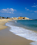 Tunisia, Cap Bon, Hammamet: Hammamet Medina from the beach | Tunesien, Cap Bon, Hammamet: der lange Sandstrand vor der Medina