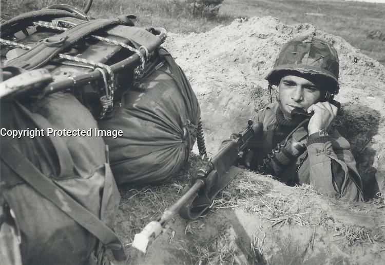 Private Guido Medeiros; Toronto in Trench<br /> <br /> Photo : Boris Spremo - Toronto Star archives - AQP
