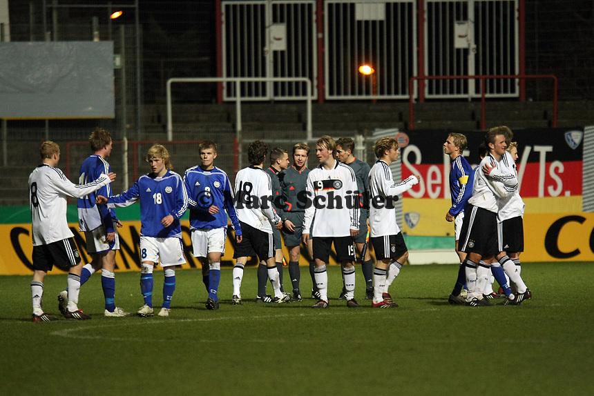 Siegesjubel Deutschland<br /> Deutschland vs. Finnland, U19-Junioren<br /> *** Local Caption *** Foto ist honorarpflichtig! zzgl. gesetzl. MwSt. Auf Anfrage in hoeherer Qualitaet/Aufloesung. Belegexemplar an: Marc Schueler, Am Ziegelfalltor 4, 64625 Bensheim, Tel. +49 (0) 151 11 65 49 88, www.gameday-mediaservices.de. Email: marc.schueler@gameday-mediaservices.de, Bankverbindung: Volksbank Bergstrasse, Kto.: 151297, BLZ: 50960101