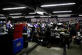 Verizon IndyCar Series<br /> Bommarito Automotive Group 500<br /> Gateway Motorsports Park, Madison, IL USA<br /> Friday 25 August 2017<br /> Charlie Kimball, Chip Ganassi Racing Teams Honda, crew<br /> World Copyright: Michael L. Levitt<br /> LAT Images
