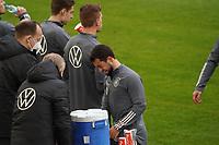 Amin Younes (Deutschland Germany) hat Spaß - 23.03.2021: Training der Deutschen Nationalmannschaft vor dem WM-Qualifikationsspiel gegen Island, Merkus Spiel Arena Duesseldorf
