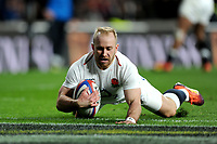 Dan Robson of England dives over to score a try during the Guinness Six Nations match between England and Italy at Twickenham Stadium on Saturday 9th March 2019 (Photo by Rob Munro/Stewart Communications)