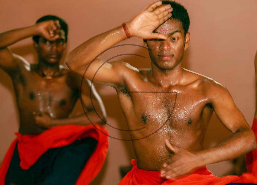 Asia, India,Kerala, Cheruthuruthy, Kalamandalam dance school founded by the poet Padmabhooshan Vallathol Narayana Menon, kathakali dance with chendar drum