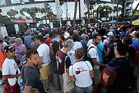 Fans di Bruce Springsteen in attesa di entrare allo stadio Olimpico, Roma, 19 luglio 2009, per assistere al concerto della rockstar statunitense..UPDATE IMAGES PRESS/Riccardo De Luca