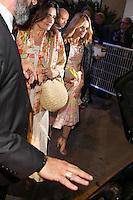 vanessa paradis quittant le palais des festivals apres le repas d ouverture du soixante neuvieme festivals du film a cannes se deroulant au salon des ambassadeurs le mercredi 11 mai 2016